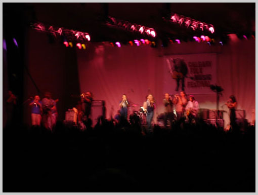 Blurry Social Scene - Show at the FolkFest